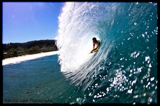 Energia rompiendo en la costa foto: Obdulio Luna