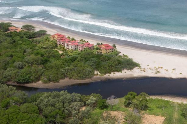 Toma aérea de playa Colorado, Nicaragua