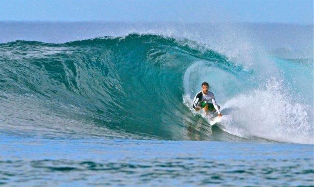Robert reid dará la cara por dominicana en el mundial Master Surf en Ecuador