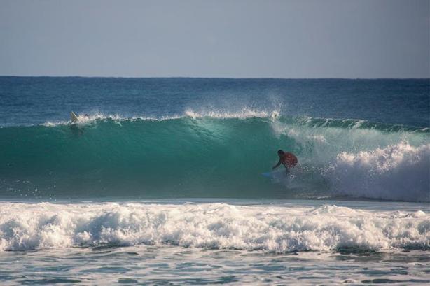 Mago del long board, Daniel Alvarez disfrutó de este último swell en Encuntro