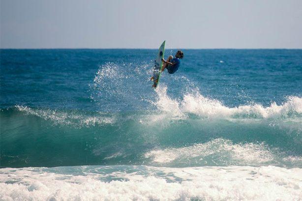 """Gian Marco Oliva """"volando"""" a este chico hay que seguirle la pista por que se perfila como uno de los grandes de la costa norte dominicana"""