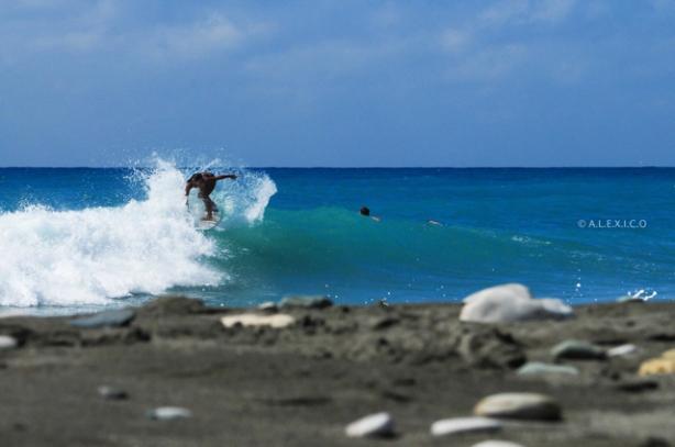El surfing femenino esta en pañales en nuestro país